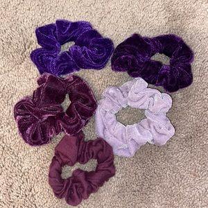 🍄Set of 5 purple scrunchies